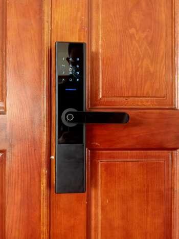 Lắp đặt khóa cửa vân tay EUROLOCK S8 tại Quận 3, Tphcm